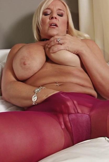 Alexis- Kinky Big Tit Milf